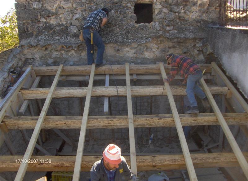 Cetrin.com  Stuccare Parete In Pietra
